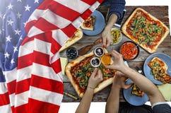 Bandiera americana, festa dell'indipendenza, barbecue, celebrazione, all'aperto Fotografie Stock Libere da Diritti