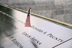 Bandiera americana in memoriale nazionale dell'11 settembre in New York Immagine Stock