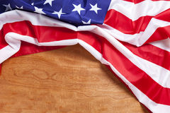 Bandiera americana su fondo di legno per Memorial Day o il quarto di luglio Immagine Stock Libera da Diritti