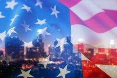 Bandiera americana sul fondo della città Fotografia Stock Libera da Diritti