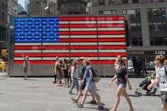 Bandiera americana in Times Square Fotografia Stock Libera da Diritti
