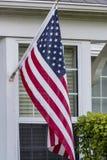 Bandiera americana in una casa Fotografia Stock