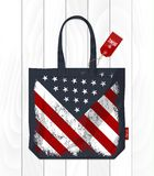 Bandiera d'annata degli Stati Uniti d'America sulla borsa di eco Fotografie Stock