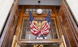Bandiera degli Stati Uniti dell'America con Eagle fotografie stock libere da diritti