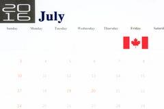 Bandiera del Canada più in primo luogo di luglio sul calendario 2016 Fotografia Stock