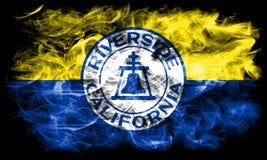 Bandiera del fumo della città della riva del fiume, stato di California, Stati Uniti d'America Immagini Stock