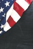 Bandiera del tessuto degli Stati Uniti sulla lavagna Immagine Stock Libera da Diritti