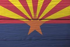Bandiera dell'Arizona sul fondo di legno della parete Struttura della bandiera dell'Arizona di lerciume, gli stati dell'America immagine stock