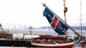 Bandiera dell'Islanda del porto delle navi archivi video