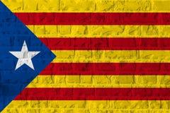 Bandiera della Catalogna di indipendenza sul fondo di struttura del muro di mattoni Fotografia Stock Libera da Diritti