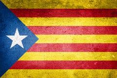 Bandiera della Catalogna di indipendenza sul fondo di struttura della parete Fotografie Stock Libere da Diritti