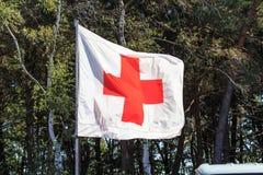 Bandiera della croce rossa Fotografia Stock Libera da Diritti