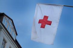 Bandiera della croce rossa fotografia stock