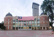 Bandiera della Malesia su Kuala Lumpur Memorial Library immagine stock