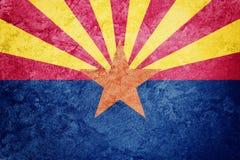 Bandiera dello stato dell'Arizona di lerciume Textur di lerciume del fondo della bandiera dell'Arizona royalty illustrazione gratis