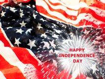 Bandiera di U.S.A. con i fuochi d'artificio su fondo bianco Fotografia Stock