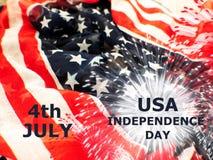 Bandiera di U.S.A. con i fuochi d'artificio su fondo bianco Immagine Stock Libera da Diritti