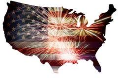 Bandiera di U.S.A. nella siluetta della mappa con i fuochi d'artificio illustrazione di stock