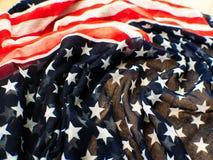 Bandiera di U.S.A. per il quarto luglio su fondo bianco d per la quarta del giorno luglio di Independense Quarto di luglio da cel Fotografie Stock Libere da Diritti