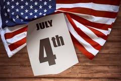Bandiera di U.S.A. su fondo di legno Fotografie Stock Libere da Diritti