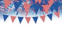 Bandiera di U.S.A. sul fondo dei fuochi d'artificio Fotografie Stock