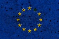 Bandiera di Unione Europea con una mancanza della stella dipinta sul co ruvido Fotografie Stock