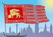 Bandiera di Venezia e siluetta della città Fotografia Stock Libera da Diritti