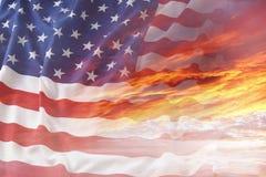 Bandiera e cielo Fotografie Stock Libere da Diritti