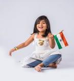 Bandiera e gente indiane Immagini Stock Libere da Diritti