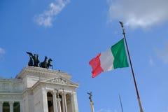 Bandiera italiana che ondeggia a Roma Fotografia Stock