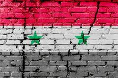 Bandiera siriana dipinta su un muro di mattoni Bandierina della Siria Priorità bassa astratta strutturata Immagini Stock Libere da Diritti