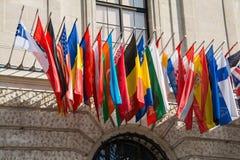 Bandiere al HQ del OSCE Immagini Stock Libere da Diritti