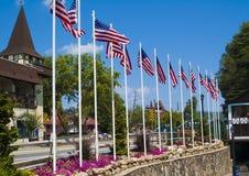 Bandiere americane in Helen Georgia Fotografia Stock Libera da Diritti
