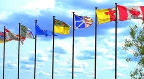 Bandiere canadesi a Shaw Conference Centre a Edmonton, Alberta, Canada fotografie stock