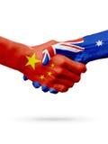 Bandiere Cina, paesi dell'Australia, concetto della stretta di mano di amicizia di associazione illustrazione 3D Fotografia Stock