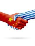 Bandiere Cina, paesi della Grecia, concetto della stretta di mano di amicizia di associazione illustrazione 3D Fotografie Stock Libere da Diritti