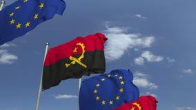 Bandiere d'ondeggiamento dell'Angola e dell'Unione Europea UE, animazione loopable 3D stock footage