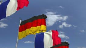 Bandiere d'ondeggiamento della Germania e della Francia sul fondo del cielo, animazione loopable 3D archivi video