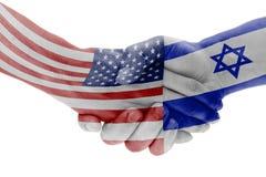 Bandiere dei paesi di Israele e di U.S.A. con la stretta di mano fotografie stock libere da diritti
