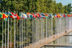 Bandiere del mondo all'Expo 98 vicino a Vasco de Gama Shopping Centre Fotografie Stock