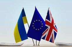 Bandiere dell'Unione Europea e della Gran Bretagna dell'Ucraina Fotografia Stock