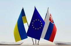 Bandiere dell'Unione Europea e della Slovacchia dell'Ucraina Fotografia Stock Libera da Diritti