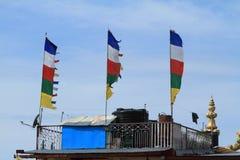 Bandiere di preghiera di buddismo Fotografie Stock Libere da Diritti