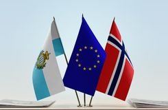 Bandiere di San Marino European Union e della Norvegia fotografia stock
