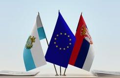 Bandiere di San Marino European Union e della Serbia fotografie stock libere da diritti