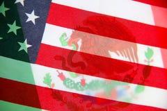 Bandiere di U.S.A. e del Messico trasparenti Fotografia Stock Libera da Diritti