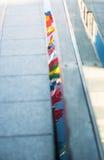 Bandiere di UE riflesse in pozza Fotografia Stock