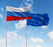 Bandiere di Unione Europea e della Russia Fotografie Stock