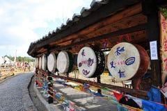 Bandiere e tamburo di preghiera Fotografia Stock Libera da Diritti