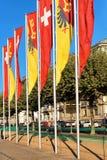 Bandiere svizzere e bandiere di cantone di Ginevra in Svizzera Immagine Stock Libera da Diritti